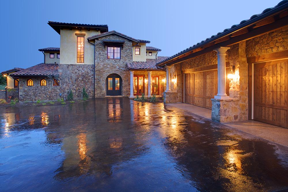 Texas style italian villa marzano fotografia for Italian villa architecture
